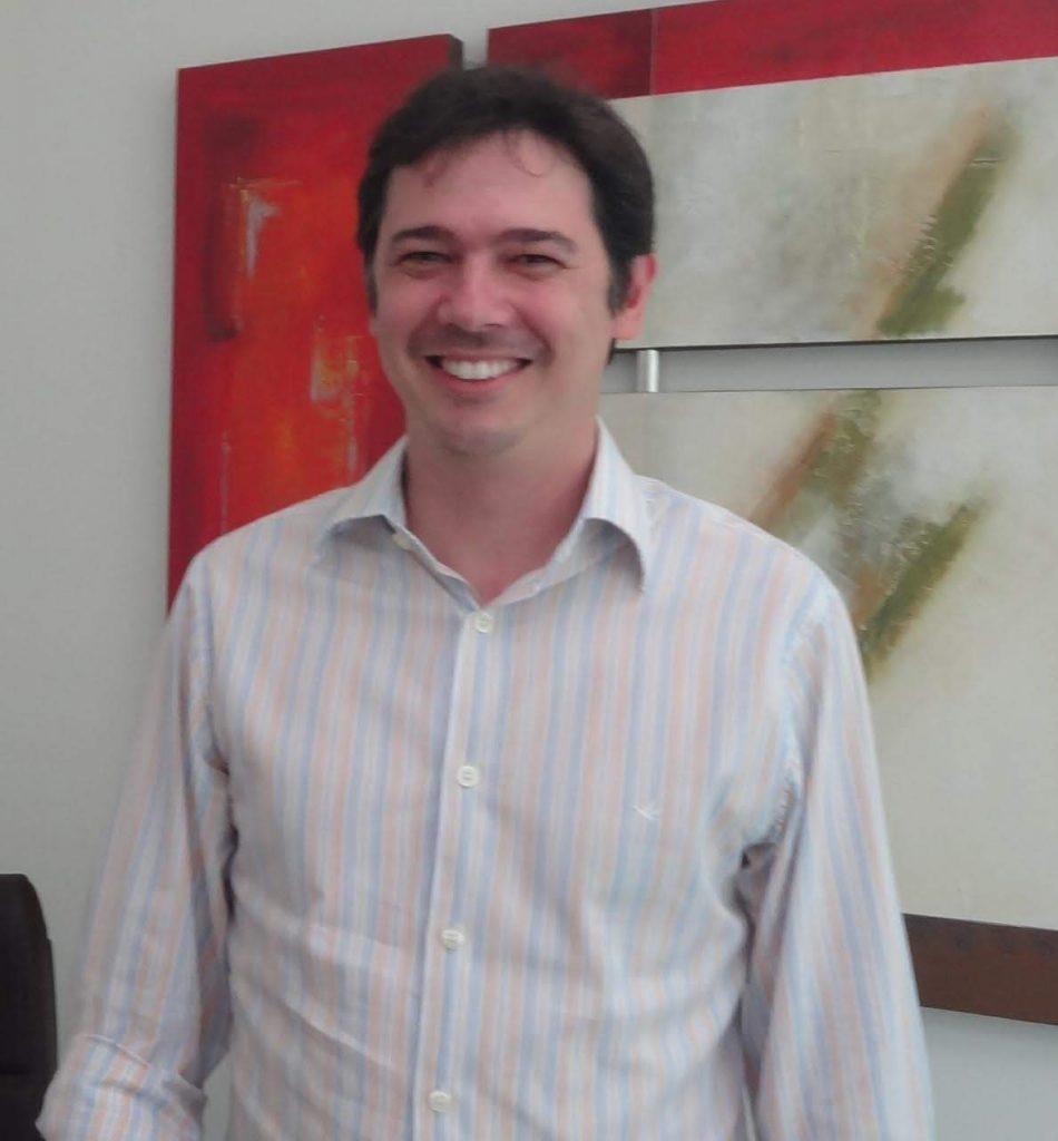 Dr. Cairo Fernandes de Brito