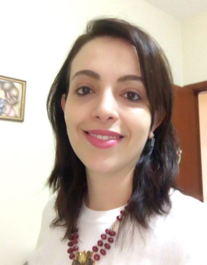 Dra. Samantha Martins Comácio